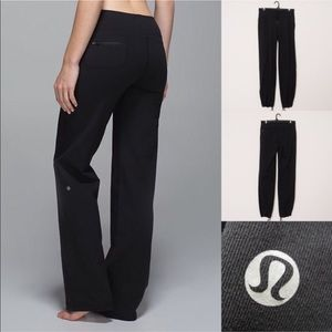 Lululemon black relaxed fit pants size 4